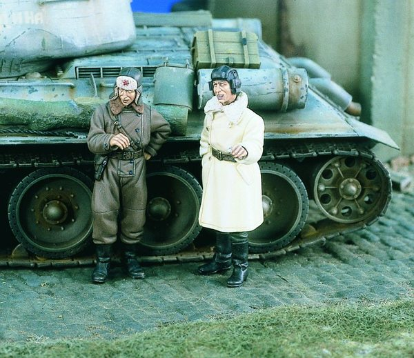 WWII Soviet Tank Troops (2 Soldiers) - Image 1