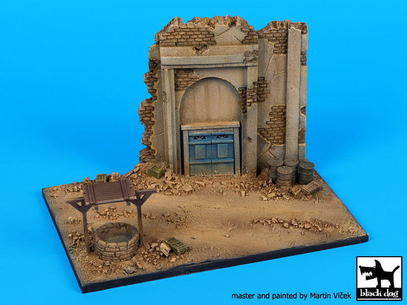 House ruin with well base (150x100 mm) - Image 1