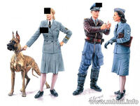 Women at War series:  Luftwaffe Helferinnen (4 figures) - Image 1
